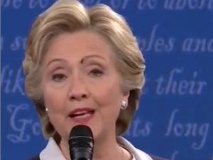 hillary-clinton-fly-on-her-eye-2nd-presidential-debate